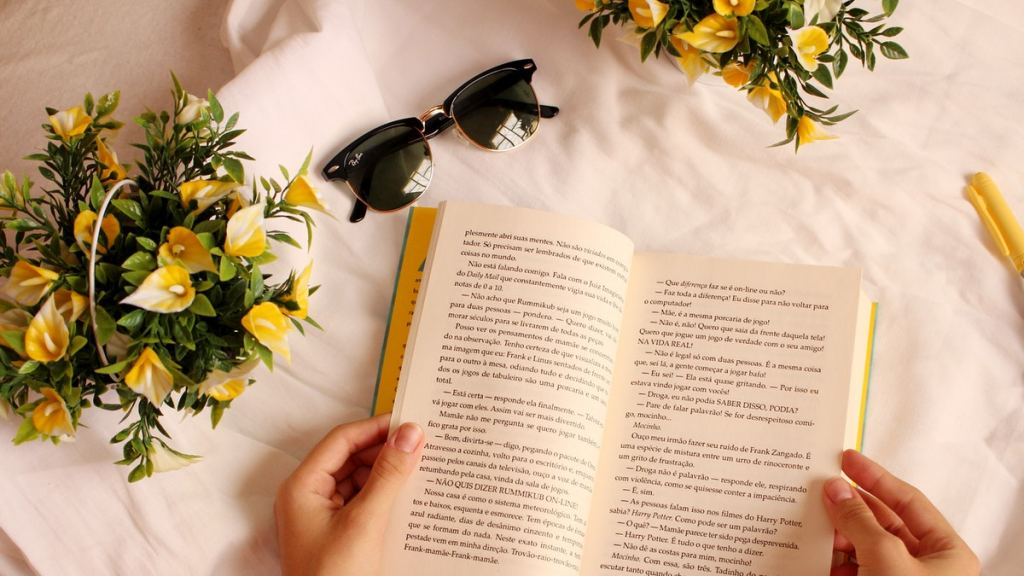 membaca buku menjauhkan penyakit agar cerdas